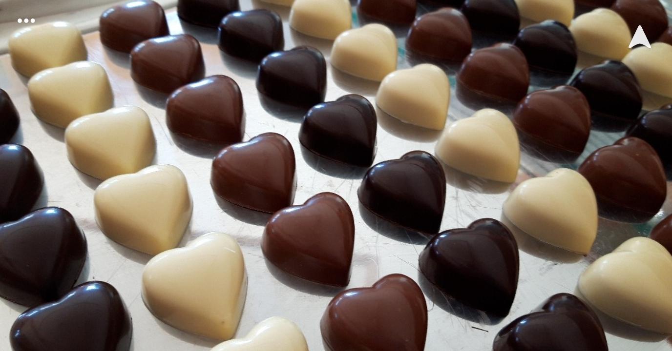 Travaille du chocolat, du sucre et dégustation
